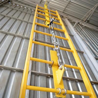 Стационарная вертикальная система защиты от падения с высоты (тросовая) ССС-Т